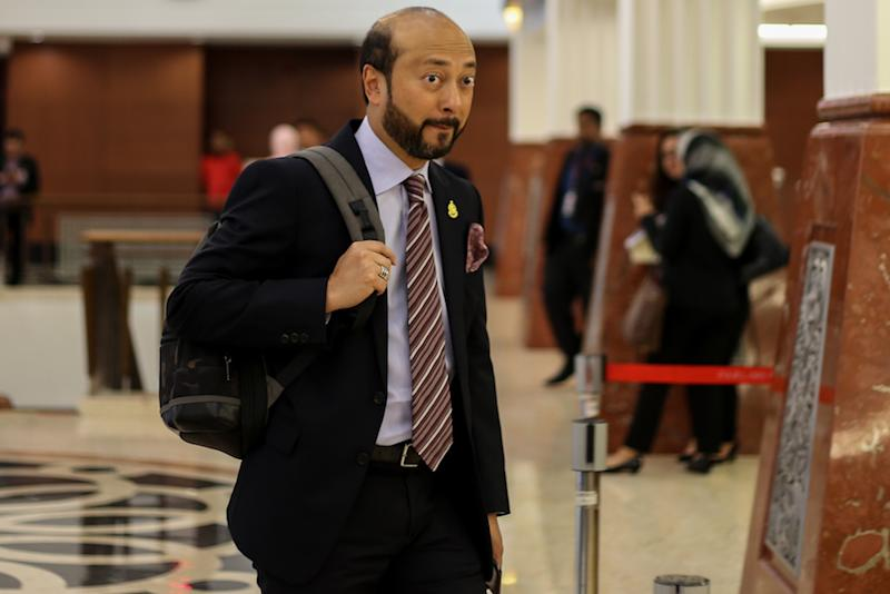 Image result for images of sultan kedah with mukhriz