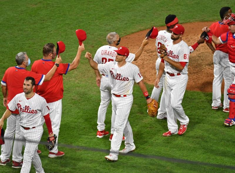 Phillies slam Braves with early 10-run outburst