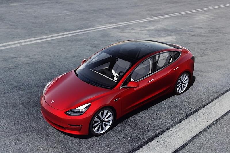 Elon Musk says 'profound' Autopilot update will roll out to Teslas soon