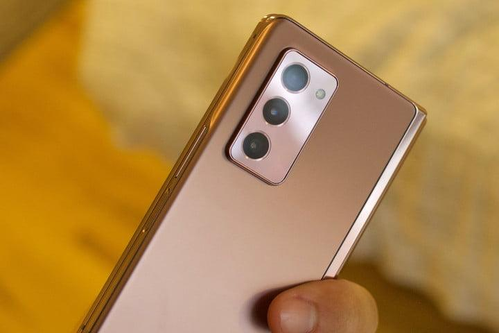 samsung galaxy z fold 2 first hands on features price photos release date camera