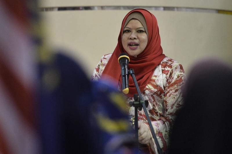 Datuk Seri Rina Harun delivers her speech during the launch of Parti Pribumi Bersatu Malaysia Srikandi's Jalur Gemilang Campaign in Petaling Jaya August 14, 2019. — Picture by Miera Zulyana