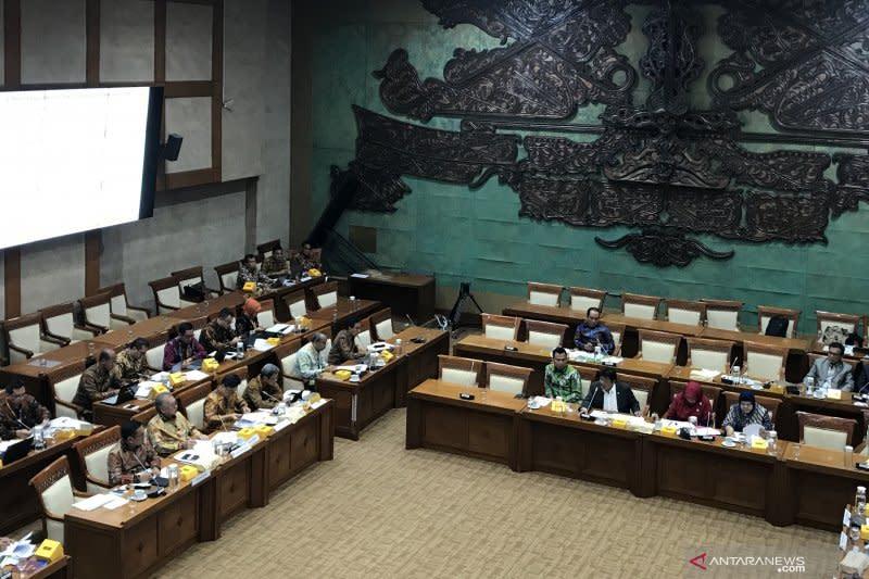 Komisi XI DPR minta LPS tingkatkan kepercayaan masyarakat pada bank