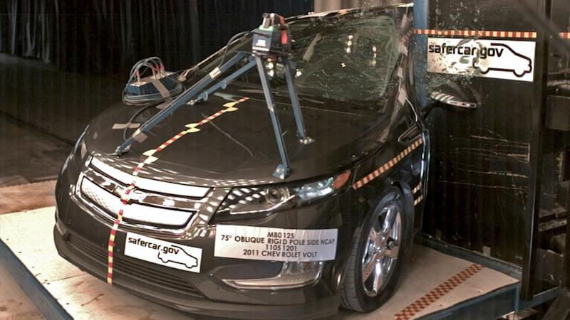 GM offers free loaners to Volt owners after fire probe