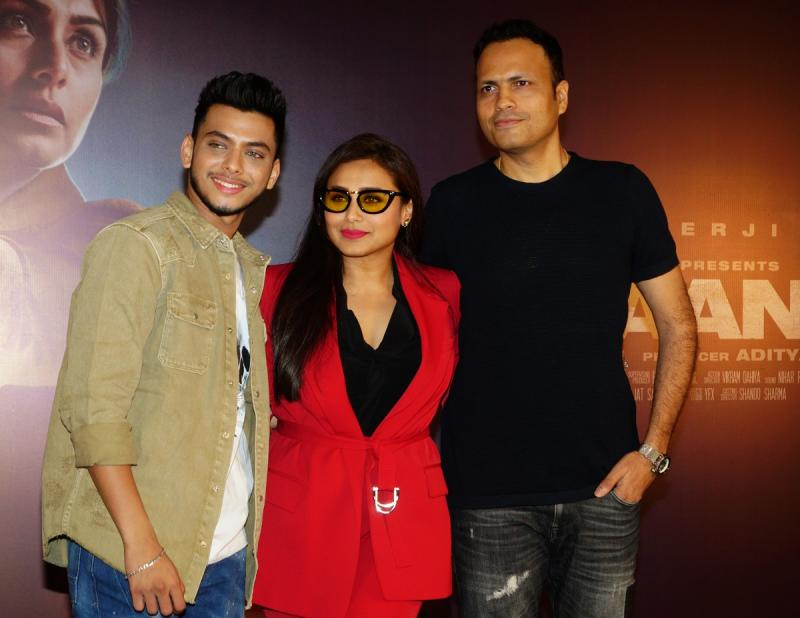Rani Mukerji, director Gopi Puthran(R) and Vishal Jethwa(L) attend the photo-call of Mardaani2 on December 16, 2019 in Mumbai. (Photo by Prodip Guha/Getty images)