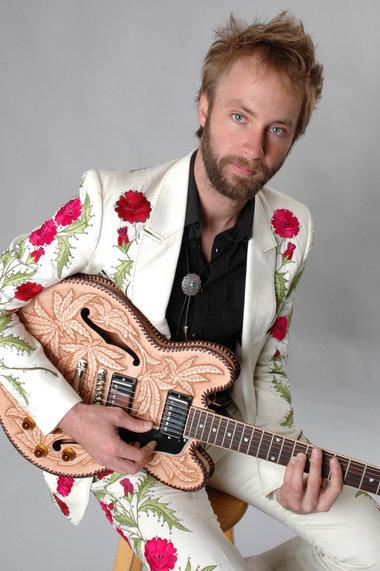 "Exclusive Song Premiere: Paul McDonald's ""Counting Stars"""