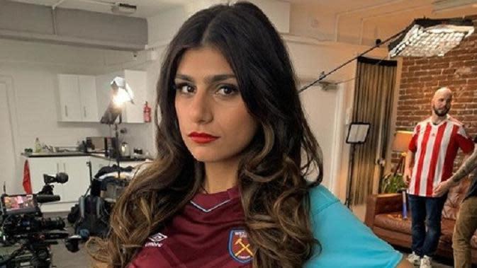 Mia Khalifa merupakan pendukung West Ham United. (Instagram)