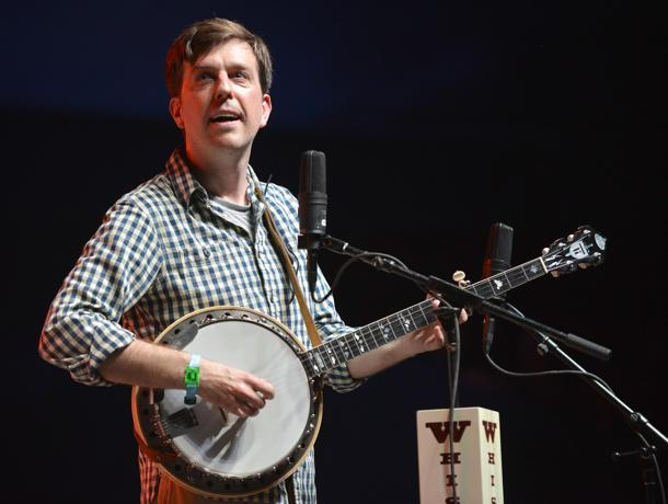 Ho, Hey! Ed Helms Jams With the Lumineers at Bonnaroo