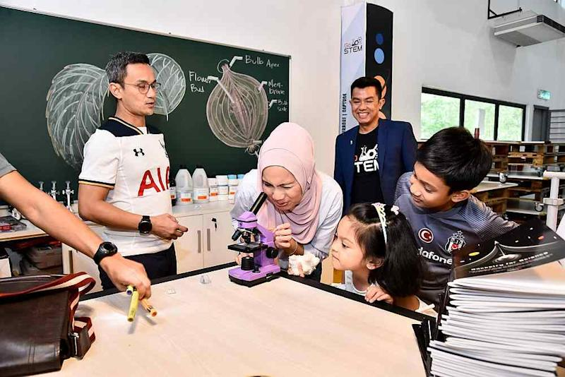Faiz says he has been trying to cultivate more interest in the youth here in Malaysia about all things space and science related. — Picture via Facebook/AstroX.
