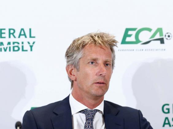 Edwin van der Sar claims United lack strong characters (REUTERS)