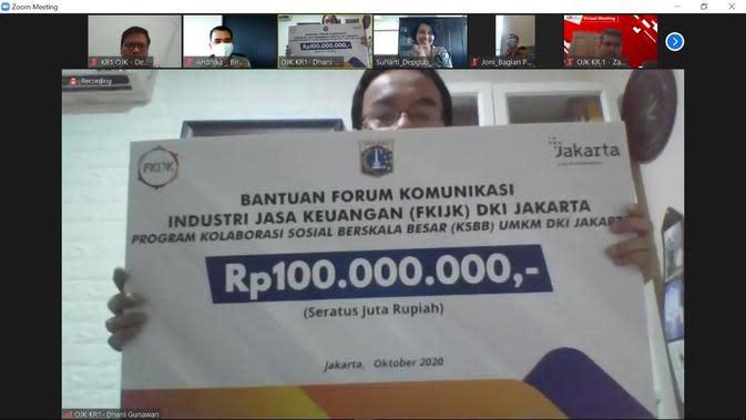 Pegawai di Kantor OJK Regional 1 DKI Jakarta dan Banten, Ikatan Pegawai OJK (IPOJK), beserta dengan Forum Komunikasi Industri Jasa Keuangan (FKIJK) DKI Jakarta memberikan dukungan dana untuk program KSBB UMKM.