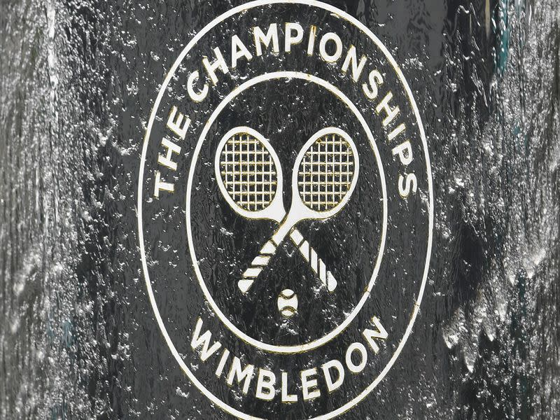 Wimbledon says thanks to NHS with strawberries