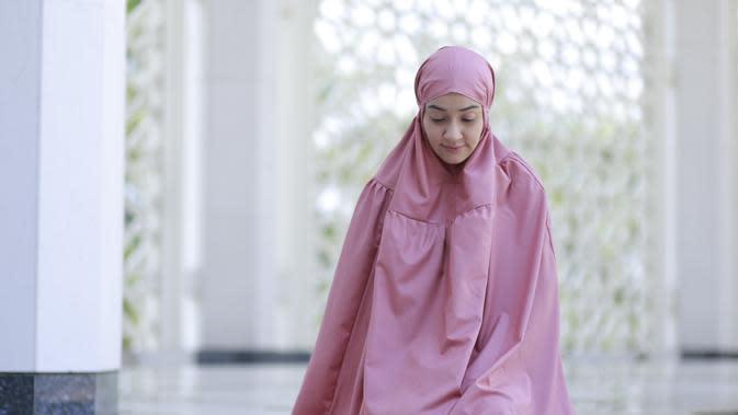 ilustrasi salat /Muhammad Shairazi / Shutterstock.com