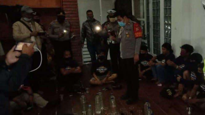 Puluhan Orang Reuni Sekolah Pesta Miras dan Ganja di Bogor
