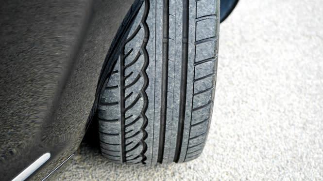Untung Rugi Pasang Ban Profil Rendah di Mobil LCGC