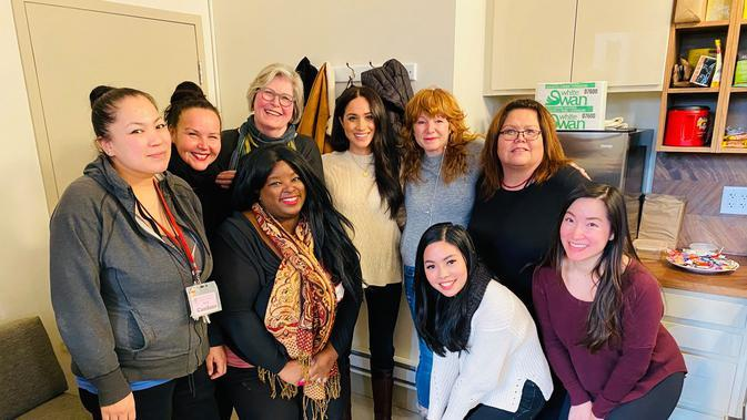 Meghan Markle mengunjungi Downtown Eastside Women'S Center, di Vancouver, Kanada, Selasa (14/1). (facebook.com/DowntownEastsideWomensCentre)