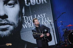 "David Cook Talks Life After 'Idol' & The ""WGWG"" Phenomenon"