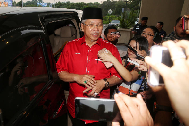 Umno secretary-general Tan Sri Annuar Musa leaves after the Umno meeting at Menara Dato' Onn February 23, 2020. — Picture by Choo Choy May