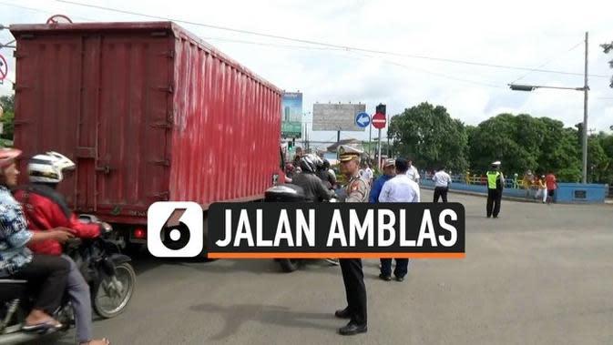 VIDEO: Jalan Amblas Daan Mogot, Dishub Lakukan Rekayasa Lalu Lintas