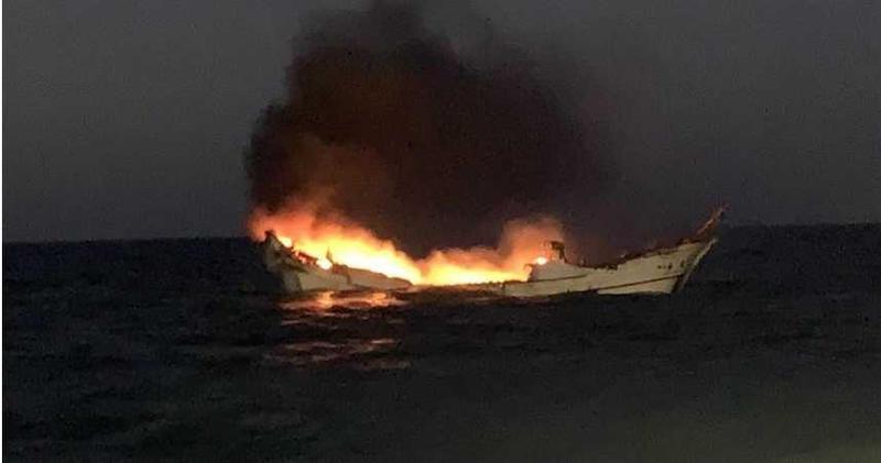 彰化王功外海13浬23日發生火燒船1死1傷意外。(圖/台中海巡隊提供提供、中國時報陳淑娥台中傳真)