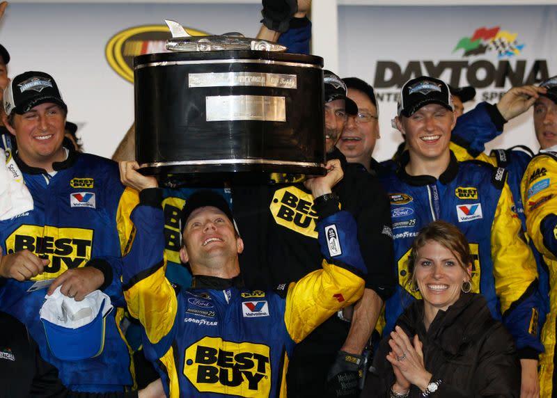 NASCAR veteran Kenseth jumps into Larson seat at Ganassi