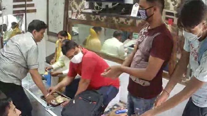 Kocak, Perampok di India Patuhi Protokol Kesehatan Sebelum Beraksi