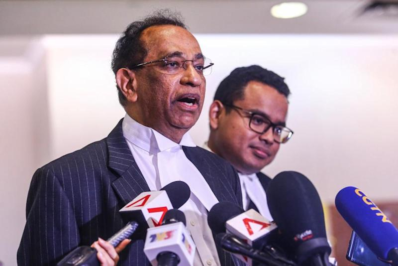 Datuk V. Sithambaram addresses the media at the Kuala Lumpur Courts Complex August 27, 2019. ― Picture by Hari Anggara