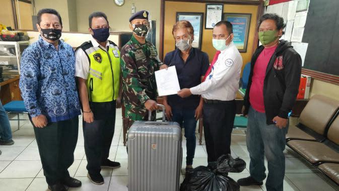 Tim gabungan pengamanan Bandar Udara Internasional Juanda (Bandara Juanda) yaitu Aviation Security dan Satgaspam TNI AL kembali mengagalkan upaya penyelundupan bibit lobster. (Foto: Dok Pengelola Bandara Juanda)