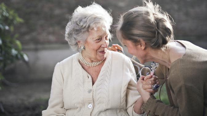 Uniknya Pernikahan Perempuan Ini, Jadikan 4 Neneknya sebagai Pengiring Pengantin