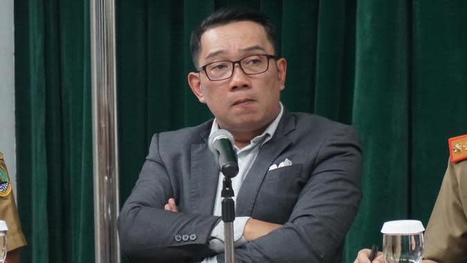 Gubernur Jawa Barat Ridwan Kamil membentuk Jabar Covid-19 Crisis Center yang berada di Command Center kawasan Gedung Sate, Selasa (3/3/2020). (Liputan6.com/Huyogo Simbolon)