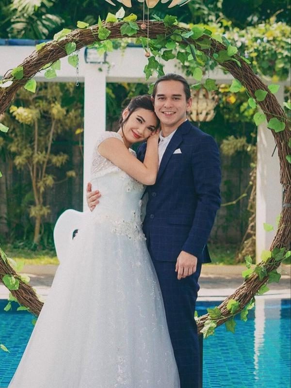 Belum Menikah, 7 Seleb Ini Tampil Memukau Saat Kenakan Baju Pengantin. (Sumber: Instagram/haico.vdv)