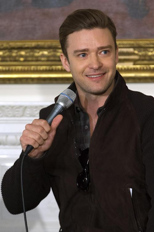 "Singer and actor Justin Timberlake tells a story during a workshop, ""Soulsville, USA: The History of Memphis Soul,"" Tuesday, April 9, 2013, in the State Dining Room of the White House in Washington. First lady Michelle Obama hosted the event for student before tonight's ""In Performance at the White House: Memphis Soul"". (AP Photo/Jacquelyn Martin)"