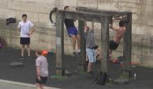 法民眾路邊克難運動 終於盼到健身房解禁