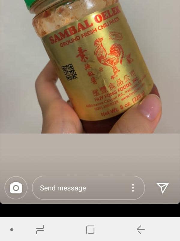 Sei Weki Meki makan tempe. (Instagram/ sei.weki.meki)