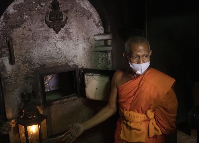 Pembunuh berantai Thailand dikremasi setelah puluhan tahun dipamerkan di museum