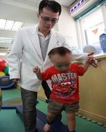讓治療師助小寶貝邁步向前