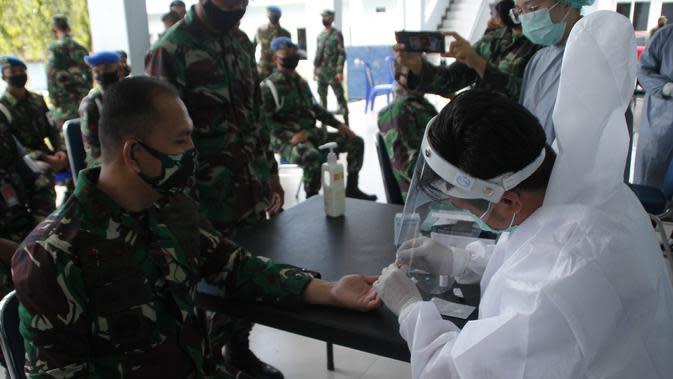 Deteksi Covid-19, Ratusan Prajurit TNI AU di Manado Jalani 'Rapid Test'