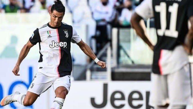 Apesnya Ronaldo,  Juventus Kalah dan Gelar Top Score Terancam Melayang