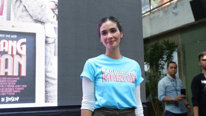 Marsha Timothy, pertama kali berada di dunia akting dengan membintangi film bertajuk Ekspedisi Madewa bersama Tora Sudiro. Bicara soal kepiawaian berakting bagi Marsha memang sudah tidak bis diragukan lagi. (Daniel Kampua/Fimela.com)