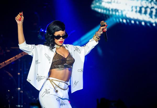 On the Charts: Rihanna On Top