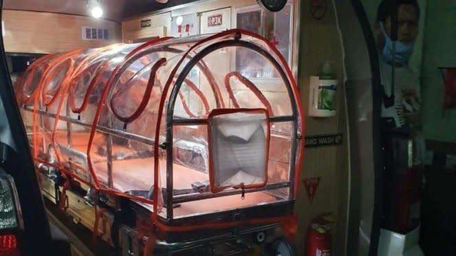 Ilustrasi interior mobil ambulans Suzuki APV