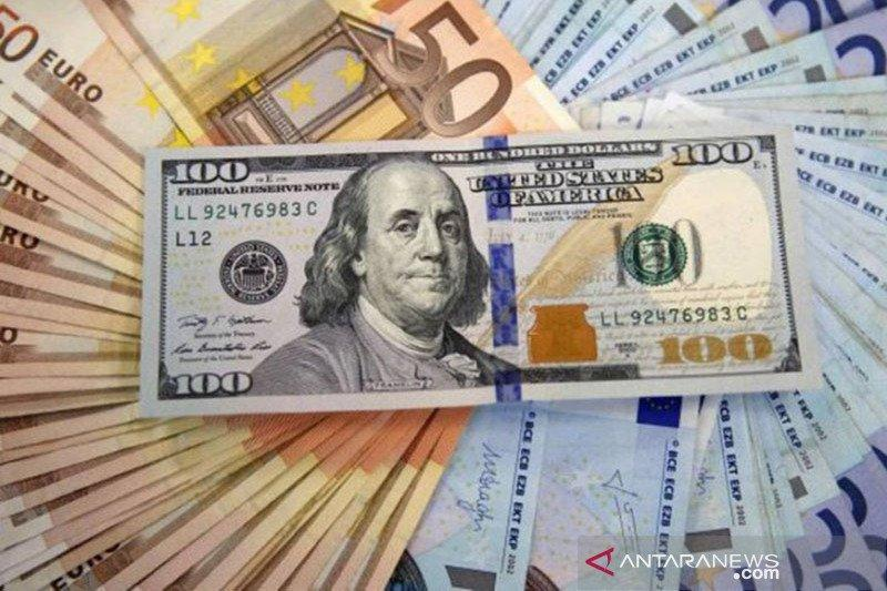 Dolar AS jatuh, tertekan ekspektasi kenaikan suku bunga The Fed