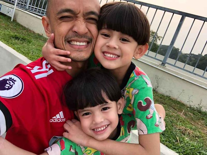 Tomok with sons Arrian and Andrashah. ― Picture via Instagram/Tomok