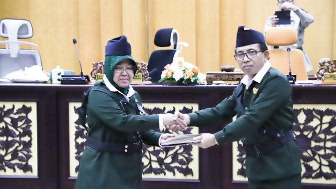 Pengesahan APBD Surabaya 2020 Sebesar Rp 10,3 Triliun pada Hari Pahlawan. (Foto: Liputan6.com/Dian Kurniawan)