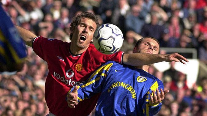 Laurent Blanc (Bek Tengah) - Pemain asal Prancis ini memperkuat lini pertahanan Old Trafford pada tahun 2001-2003.(AFP/Robin Parker)