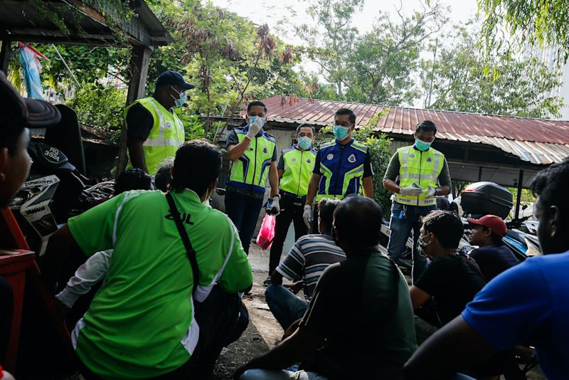 A total of 387 compounds were issued for various offences as of yesterday with 65 arrests made, Ismail revealed. — Picture by Sayuti Zainudi