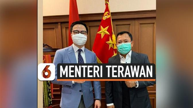 VIDEO: Dicari Publik, Menkes Terawan Sempat Coba Jas Wong Hang?