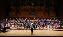 台北愛樂歲末歌聲送暖 百位學童歡唱6語言聖誕頌