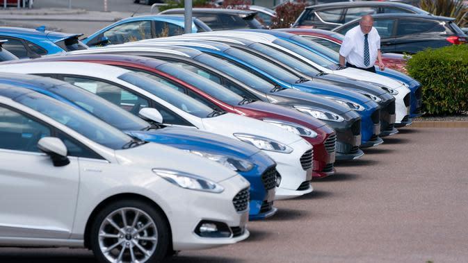 Top3 Berita Hari Ini: Penjualan Mobil Anjlok dan Berkendara Konyol