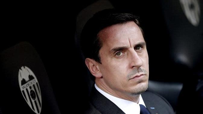 Garry Neville dituntut mundur seusai kekalahan telak 0-7 melawan Barcelona di Camp Nou, Kamis (4/2/2016) dini hari WIB. (EPA)