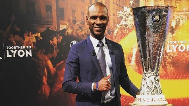 Usai Setien, Giliran Eric Abidal Dipecat Barcelona